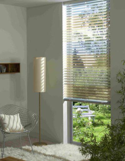 jalousien sonnen sicht schutz. Black Bedroom Furniture Sets. Home Design Ideas