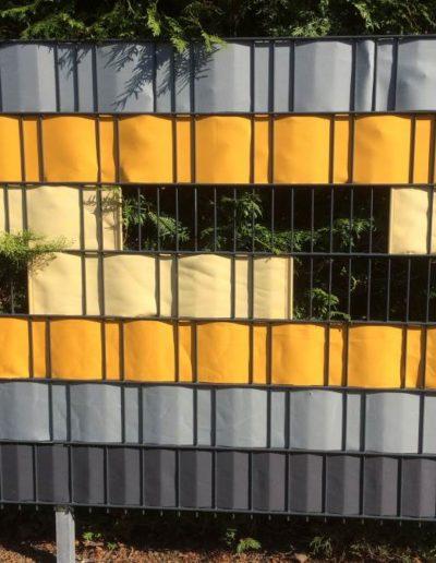 sonnen-sicht-schutz-hasbergen-raumausstatter-raumausstattung-sichtschutz-fuer-gartenzaun-Doppelstabmattenzaun_2