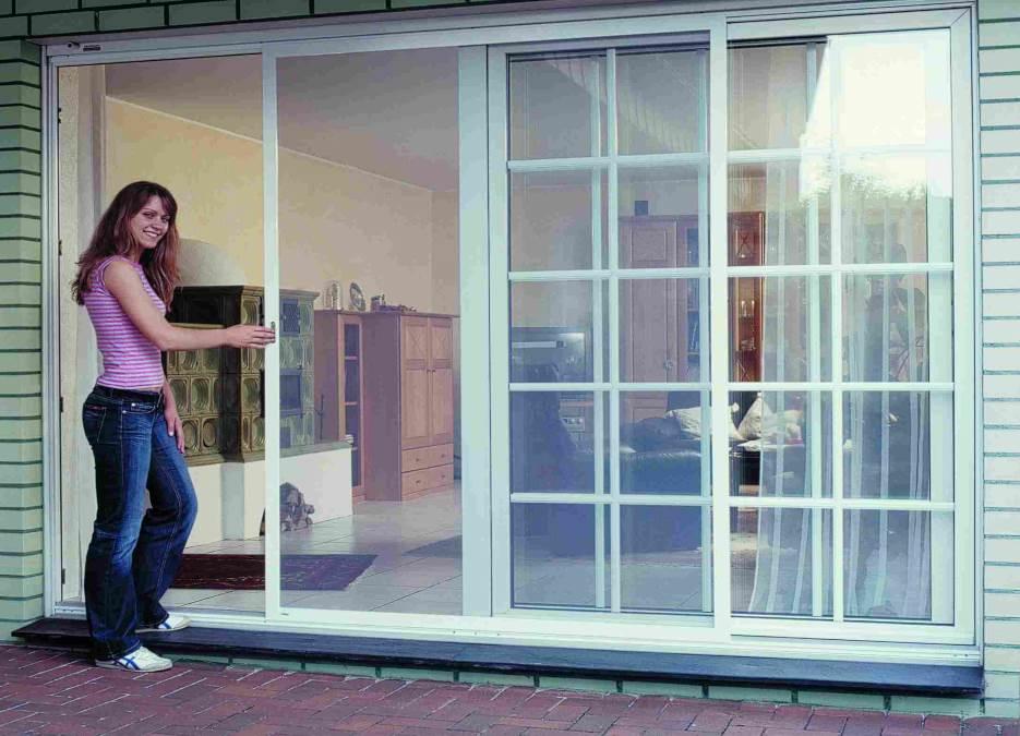 Raumausstatter für Sonnenschutz und Sichtschutz in Hasbergen - Insektenschutzgitter für Fenster, Lichtschächte, Türen