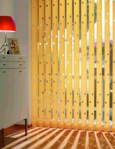lamellenvorh nge f r den arbeits und wohnbereich sonnen sicht schutz. Black Bedroom Furniture Sets. Home Design Ideas